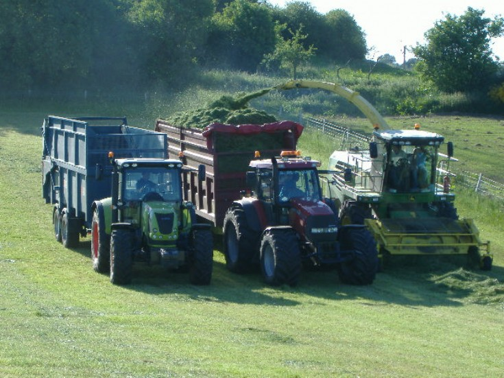 Case IH MXM 190 and John Deere 7450