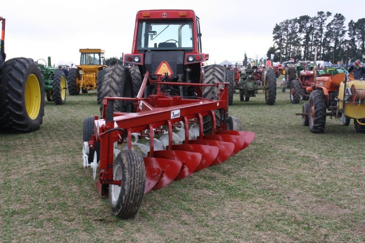 International 3388 and Dunnill plough