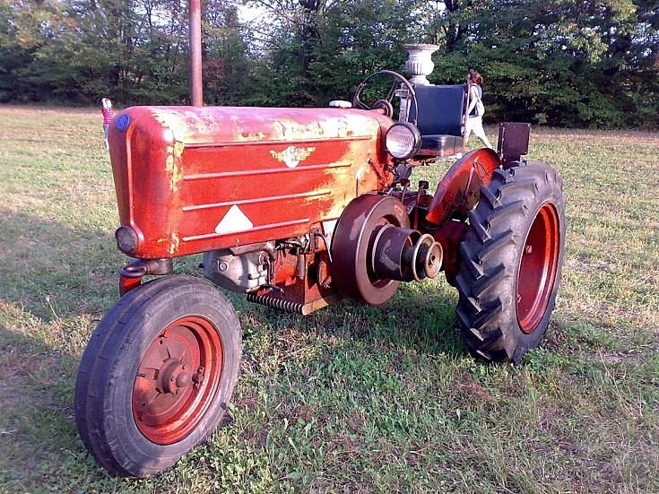 OTO C18 tractor