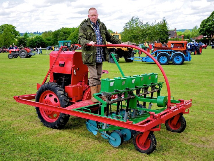 Powered seed-drill engine