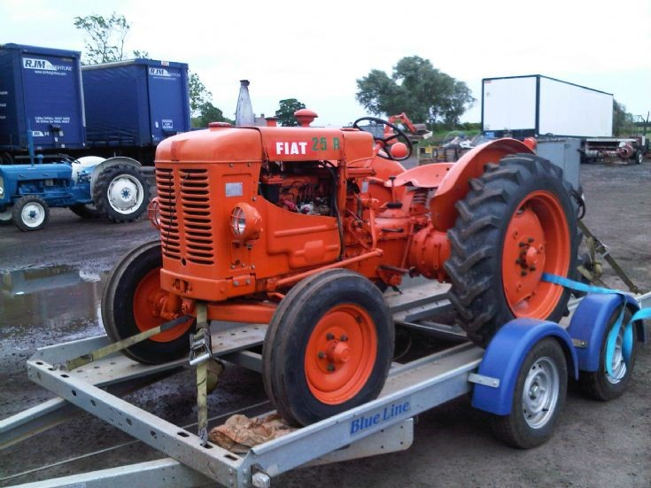 nice... Fiat 25R tractor