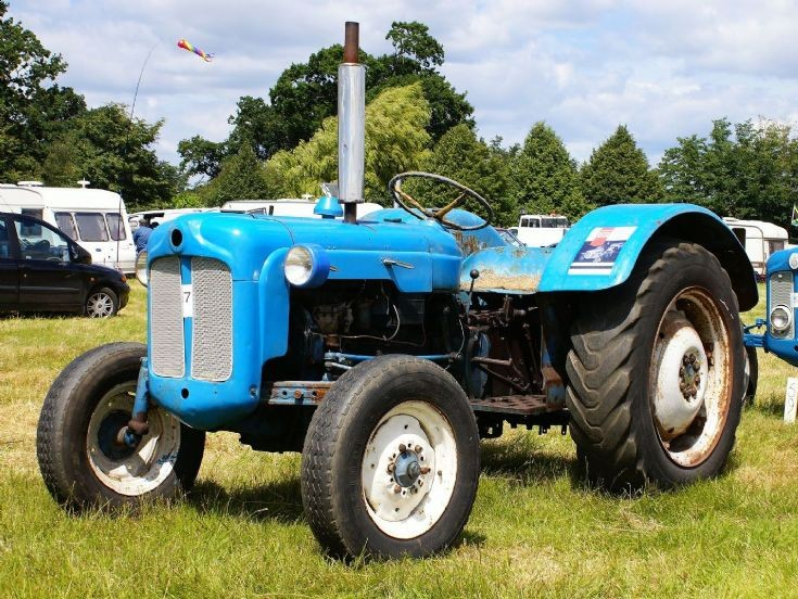 Fordson Dexta Tractor Fenders : Tractor photos unidentified at rougham
