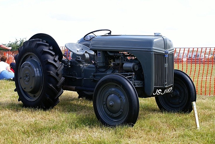 Ford Classic Tractors : Tractor photos classic ford