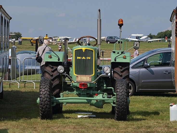 MAN tractor