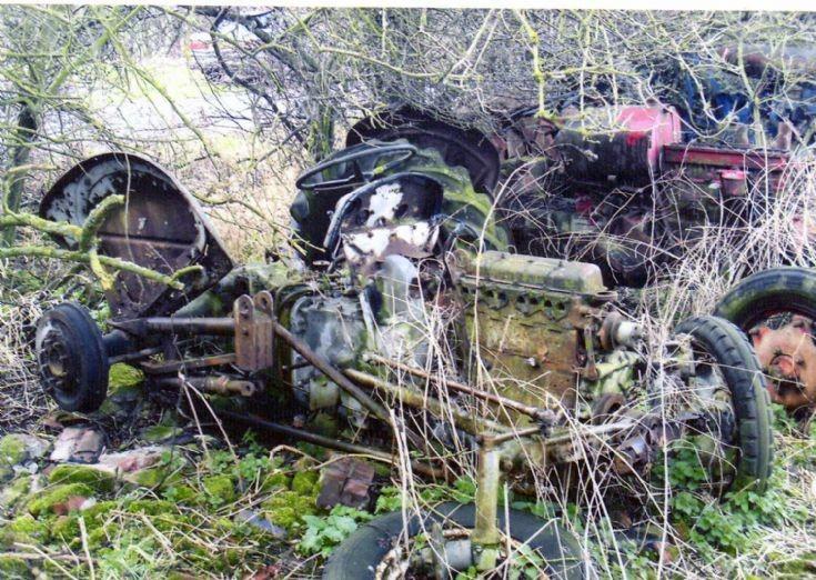 Unidentified derelict tractor, Nottinghamshire