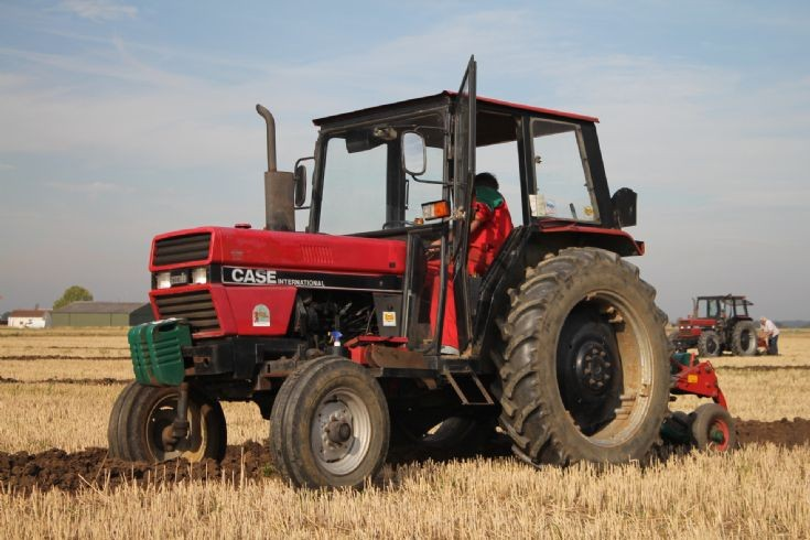 Case International 585 tractor