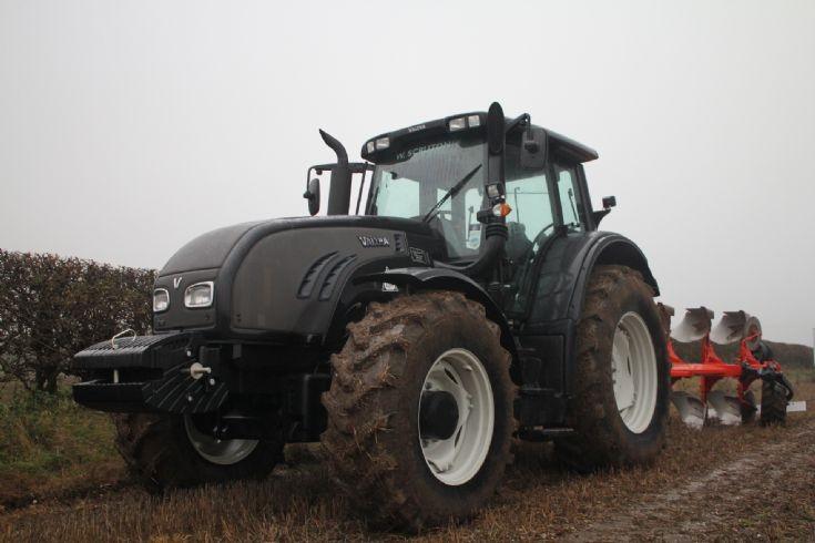 Valtra T202.