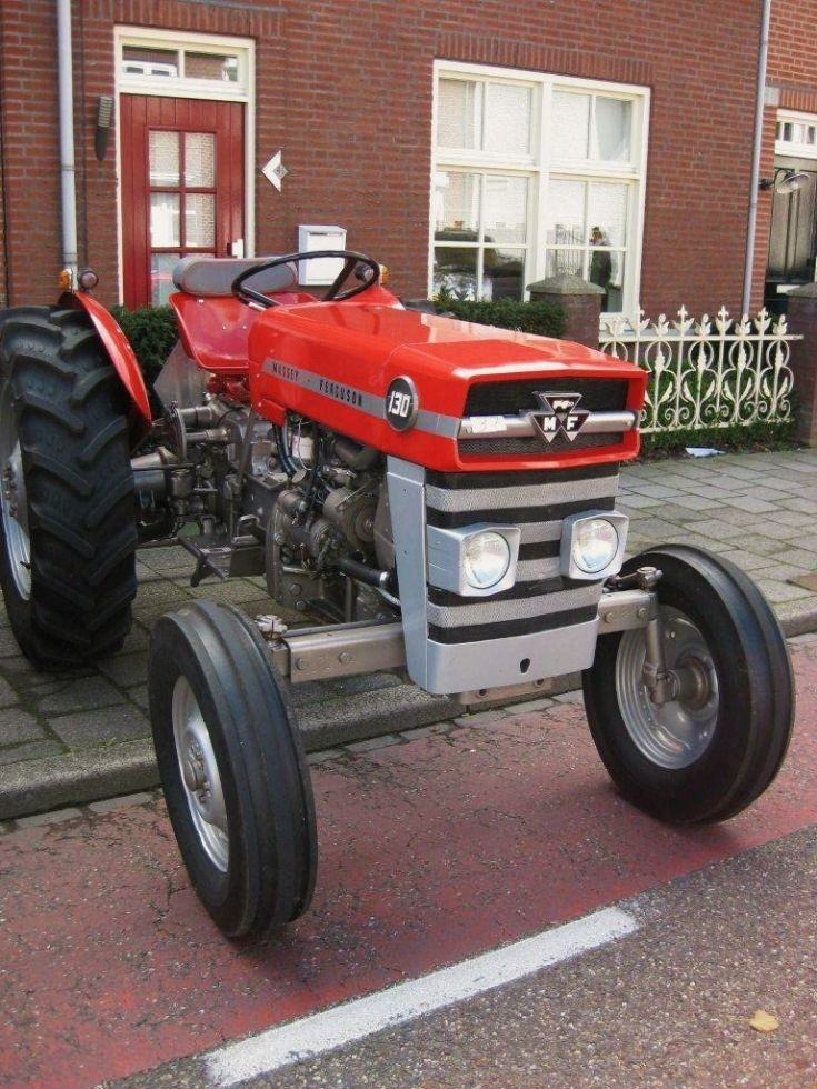 Massey Ferguson in Nederweert ( NL )
