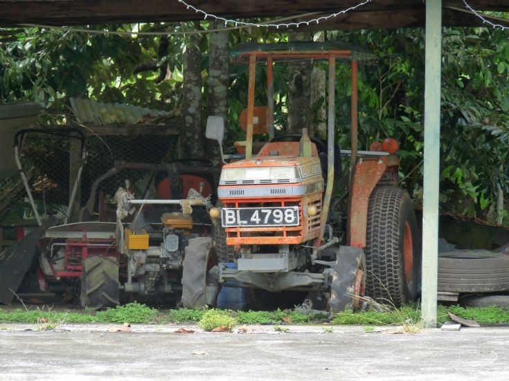 Kubota L2050 tractor