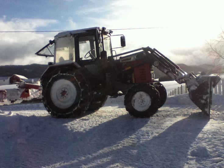 Belarus 572 with frontloader