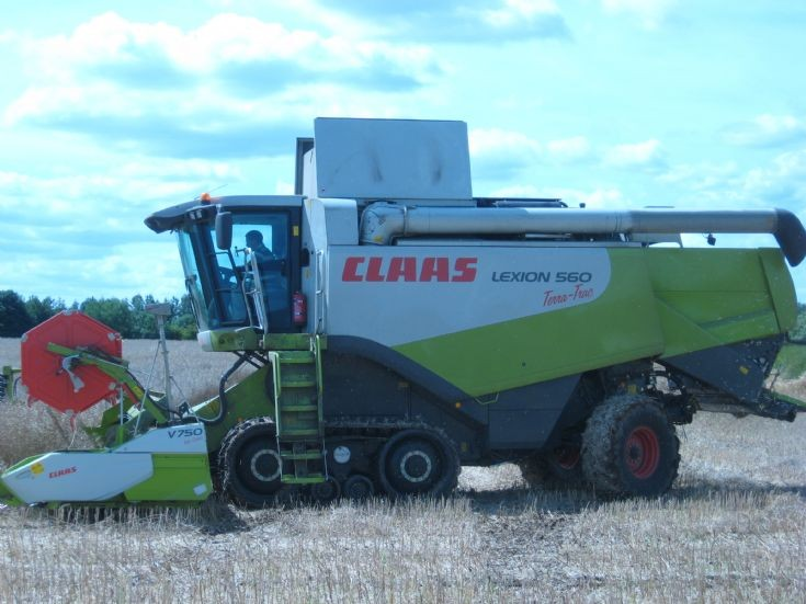 Claas Combine Harvester - Lexion 560