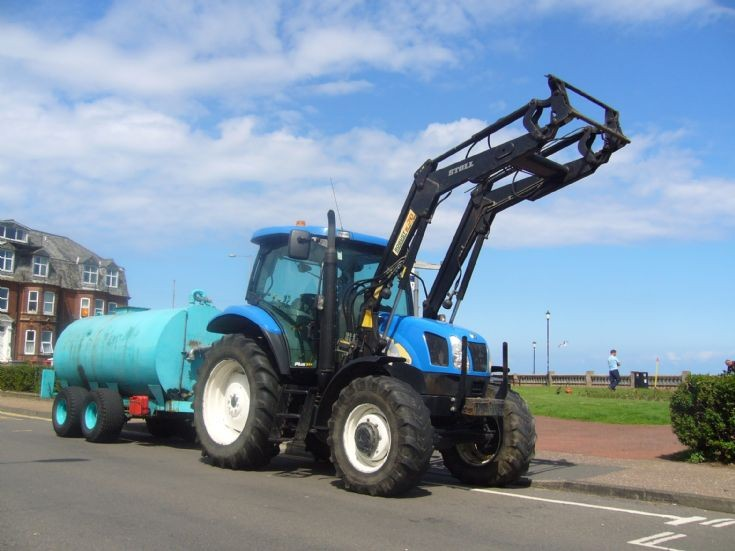 New Holland  T5100A
