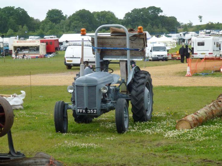 T20 Ferguson Tractor : Tractor photos ferguson t