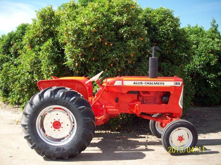 Allis Chalmers D-15 Diesel SeriesII Tractor