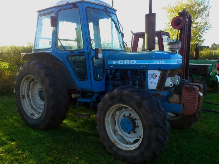 Military Vehicles For Sale >> Tractor Photos - 1981 Ford 7610