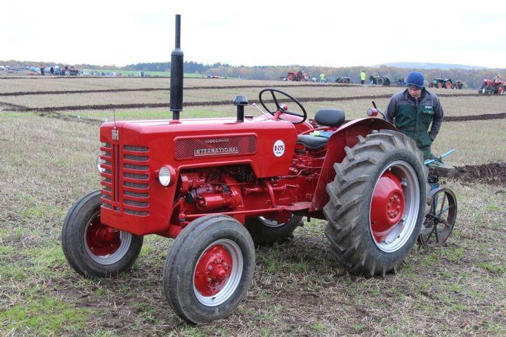 Tractor Photos Ih Mccormick B275