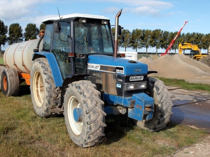 New Holland 6640 at Hoofddorp, The Netherlands