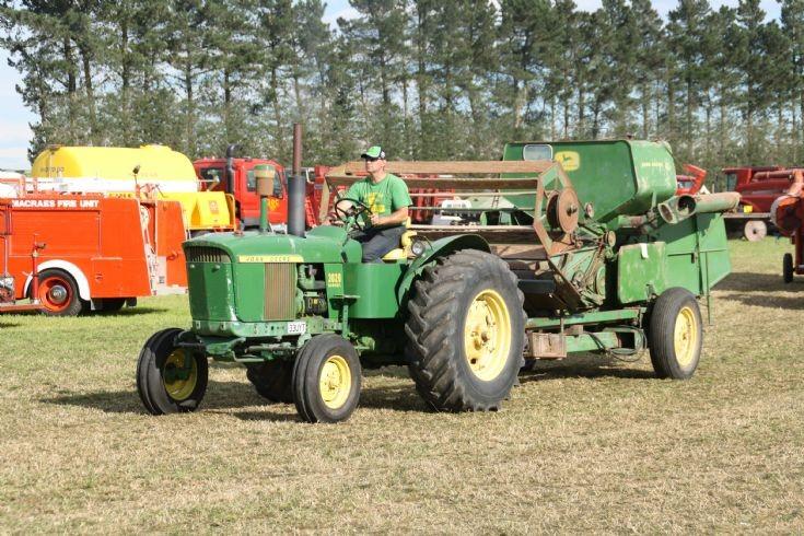 John-Deere tractor & PTO header