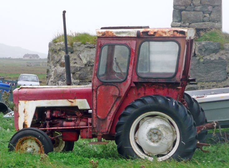 International 276 with Duncan cab on South Uist