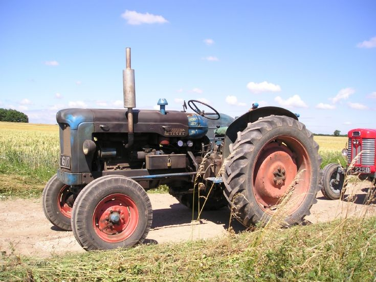 1957 Fordson Major Diesel Tractor : Tractor photos fordson e a diesel major