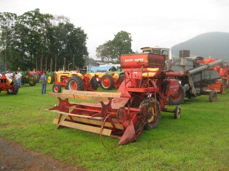 Massey Harris 35 Harvester