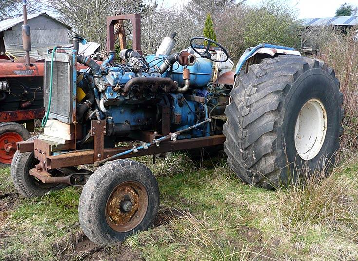 Unidentified tractor - big tyres