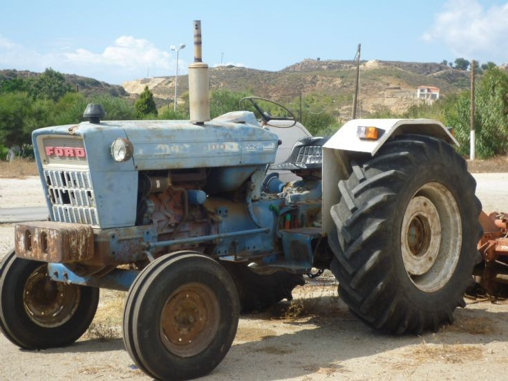 Ford 5000.