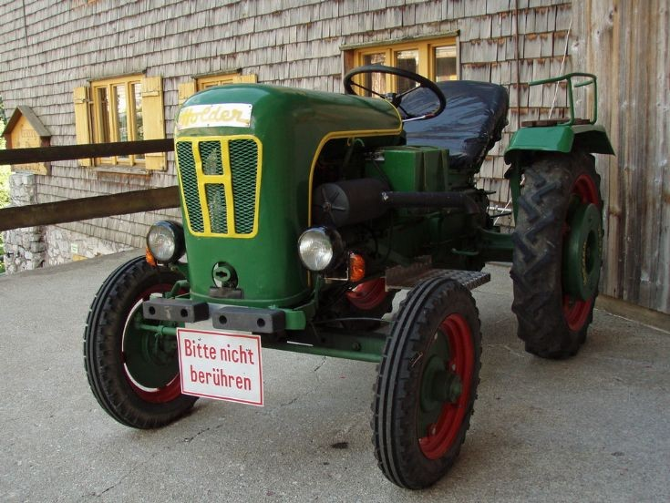 Holder Tractor