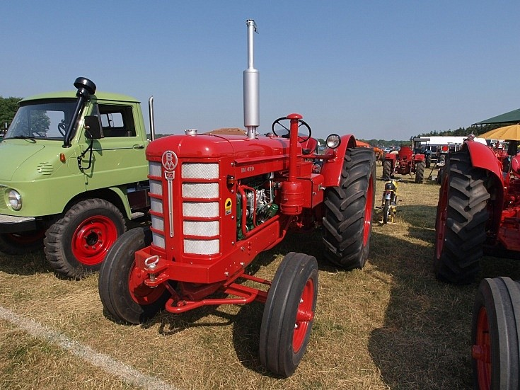 BM 470 tractor